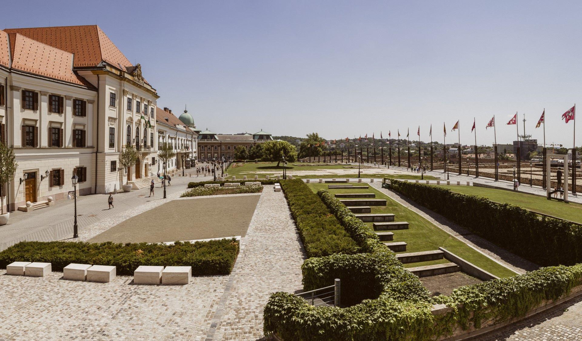 A Szent György tér az autómentesítés után