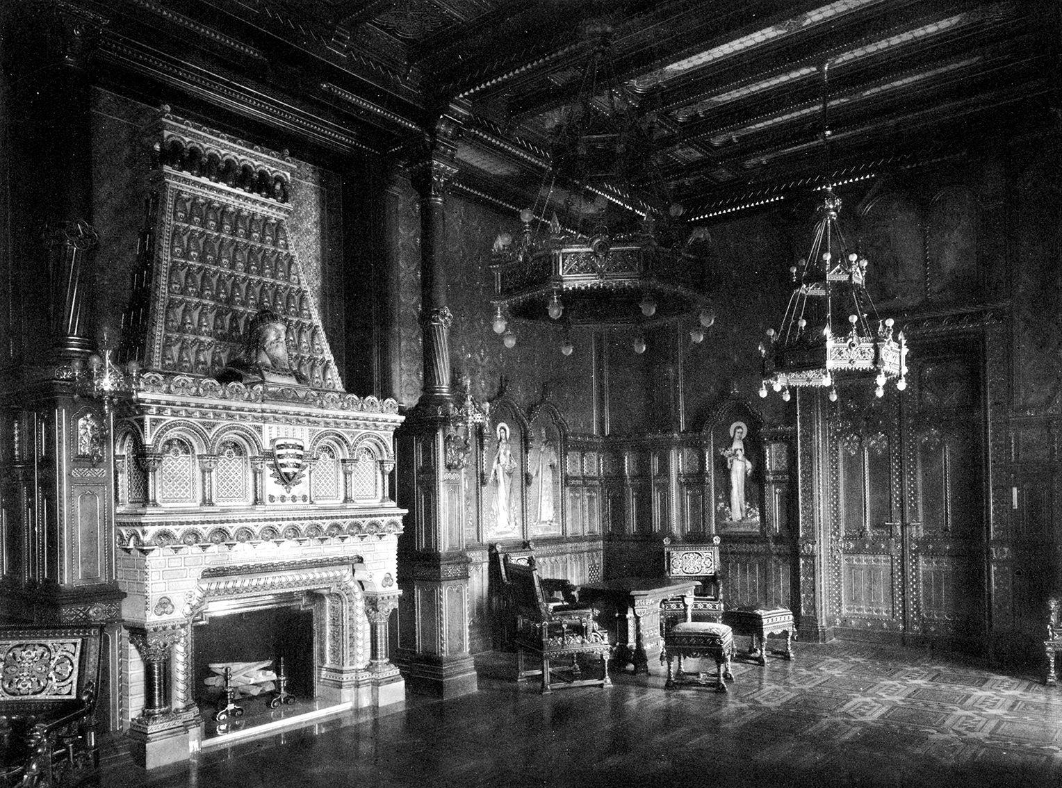 Az egykori Szent István-terem - A FSZEK Budapest Gyűjtemény engedélyével